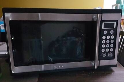 Breville Microwave near new