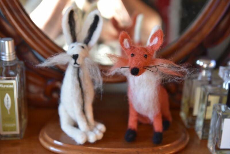 HAND CRAFTED FELT ARCTIC HARE AND FOX. HANDMADE.