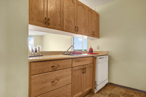 Beautiful 1 BD For $900, Utilities Included.