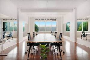 8 Hot Desks in Open Plan Office Space Available to Rent