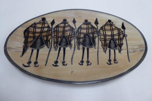 VINTAGE AFRICAN ARTIST STONE PAINTED TRIBAL HUNTERS  PLATE