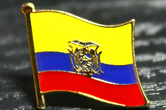 ECUADOR Ecuadoran Country Metal Flag Lapel Pin Badge *NEW*