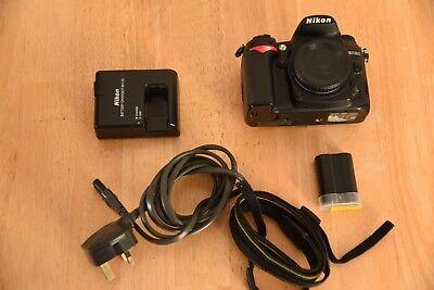 Nikon D7000 Digital SLR Camera Body Battery & Charger