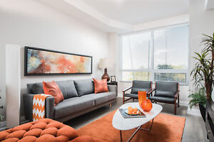 Uptown Waterloo Modern One Bedroom + Den - Rooftop Pool /Lounge
