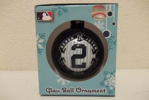 NEW WITH BOX NEW YORK YANKEES DEREK JETER  #2 GLASS CHRISTMAS TREE ORNAMENT MLB