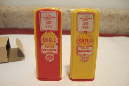 Shell TCP Gas Pump Salt & Pepper Shakers ERV. GIERACHS SERVICE Thiensville Wis