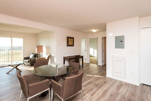 Spacious 2 Bed - Terwillegar/The Henday&Currents of Windermere!