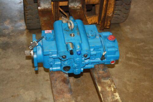 New Eaton Hydraulic Pump 558AK00060A Hydrostatic Excavator