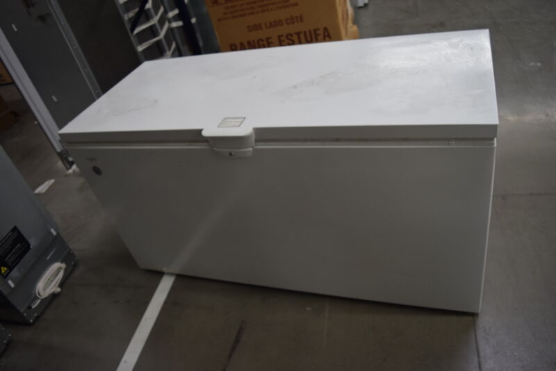 Whirlpool 21.7 Cu. Ft. Chest Freezer White WZC3122DW