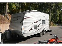 2013 Gulf Stream Track + Trail Toy Hauler 17RTHSE Like New & Loaded With Options