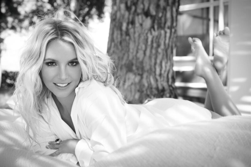 Britney Spears Unsigned 8x12 Photo (89)