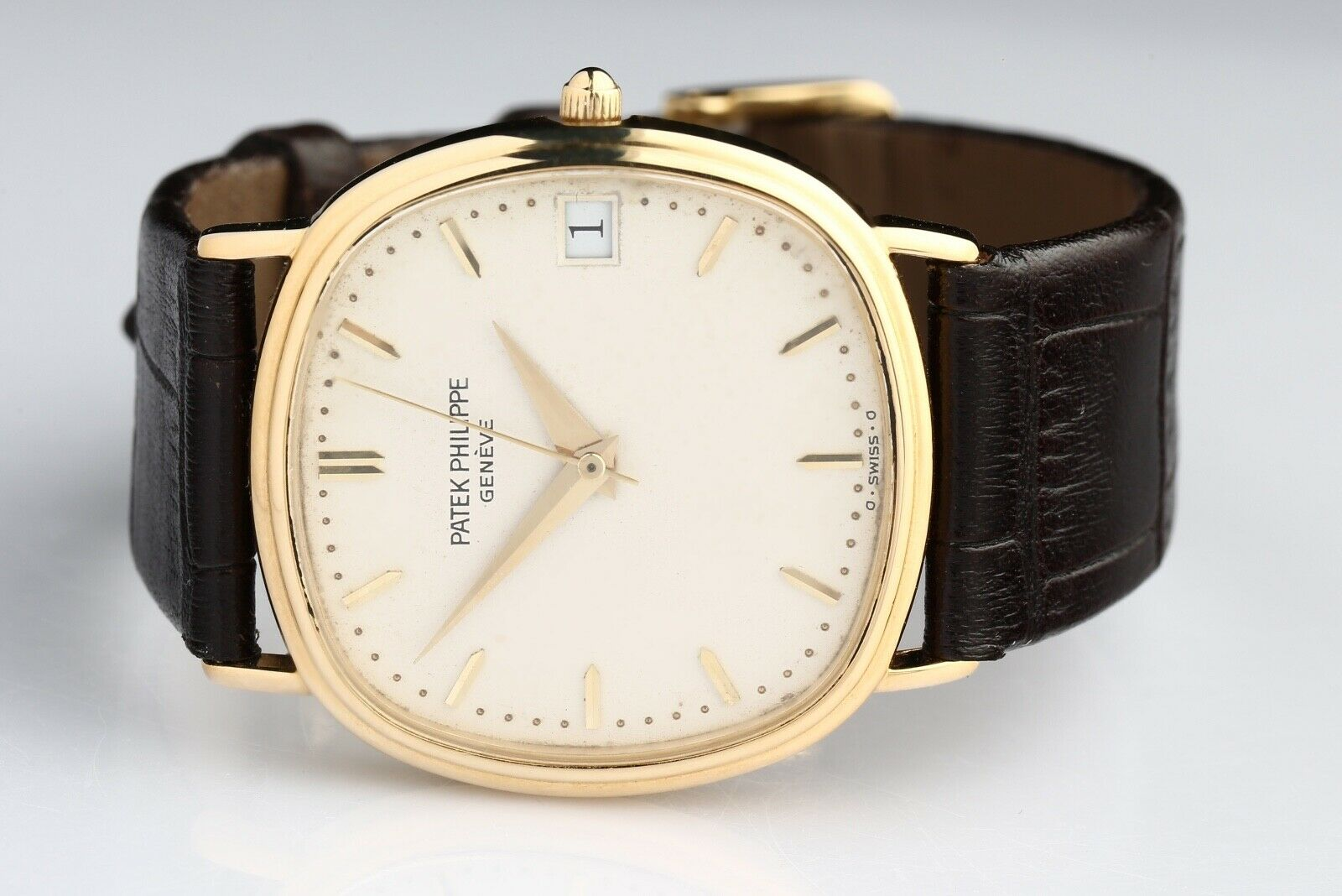 Patek Philippe Ellipse Ref# 3737 Automatic 18k Yellow Gold Wristwatch - watch picture 1