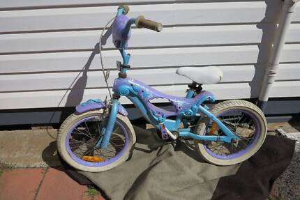 Girl's bike, suit 6 to 10 year old