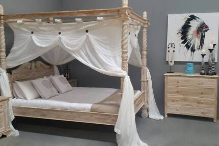 Four Poster Hand Carved Whitewash Bed - Queen