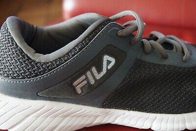 Chaussures de détente marque Fila genre tennis  pointure 44