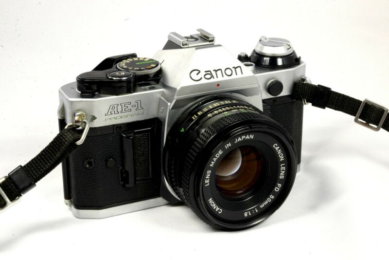Canon AE-1 Program 35mm SLR Camera with 50mm f/1.8 Lens -Very.Good Fast Shipping
