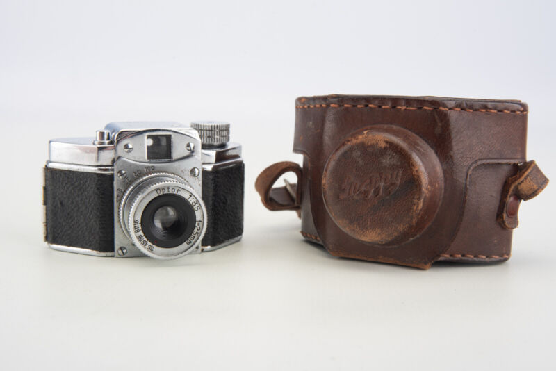 Konishiroku Kogaku Snappy Subminiature Film Camera with Instructions & Case V02