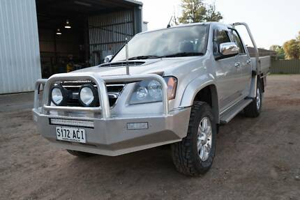 Holden Colorado LT-R Tray Top Ute loaded with extras Halbury Wakefield Area Preview