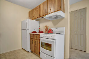 Great Location... 2 Bedroom Apartment! Call 306-314-0155