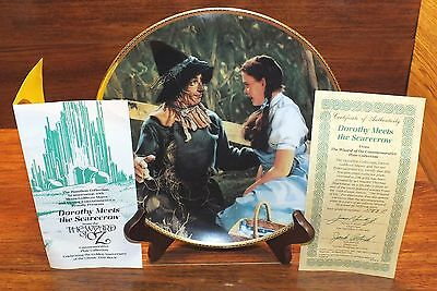 Dorthy Meets the Scarecrow from the Wizard of Oz 1939 23K Rim Hamilton Plate!](The Scarecrow From The Wizard Of Oz)