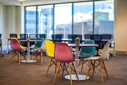 AFFORDABLE CO-WORKING   LUXURY LOCATION   PERFECT FOR STARTUPS