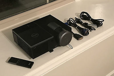 Nice Dell 4220 DLP HDMI Projector w/ Remote & Cables -  2206 HOURS