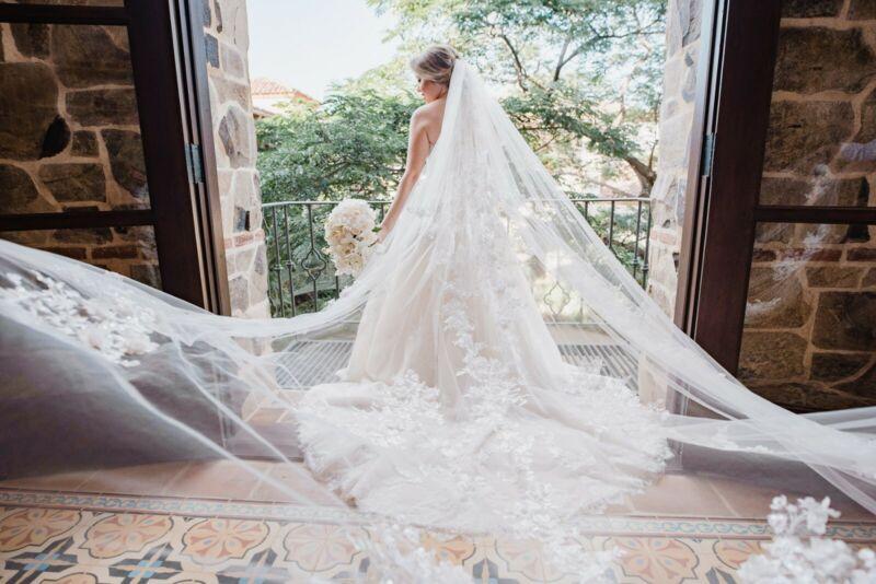 HALF PRICE Beautiful Pronovias Wedding Veil Cathedral Length OffW 3x3.5 UsedOnce