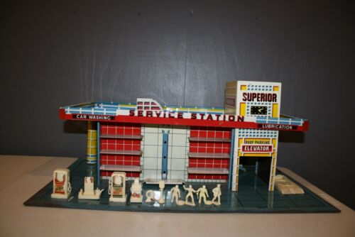 VINTAGE Tin Litho Superior Service Gas Station Parking Garage Toy 1940's - 1950s