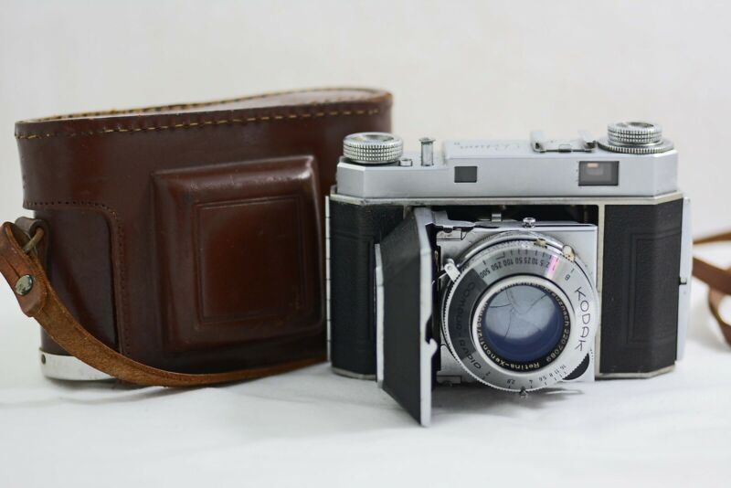 ANTIQUE VINTAGE KODAK RETINA II (TYPE 014) CAMERA WITH CASE 1949-50
