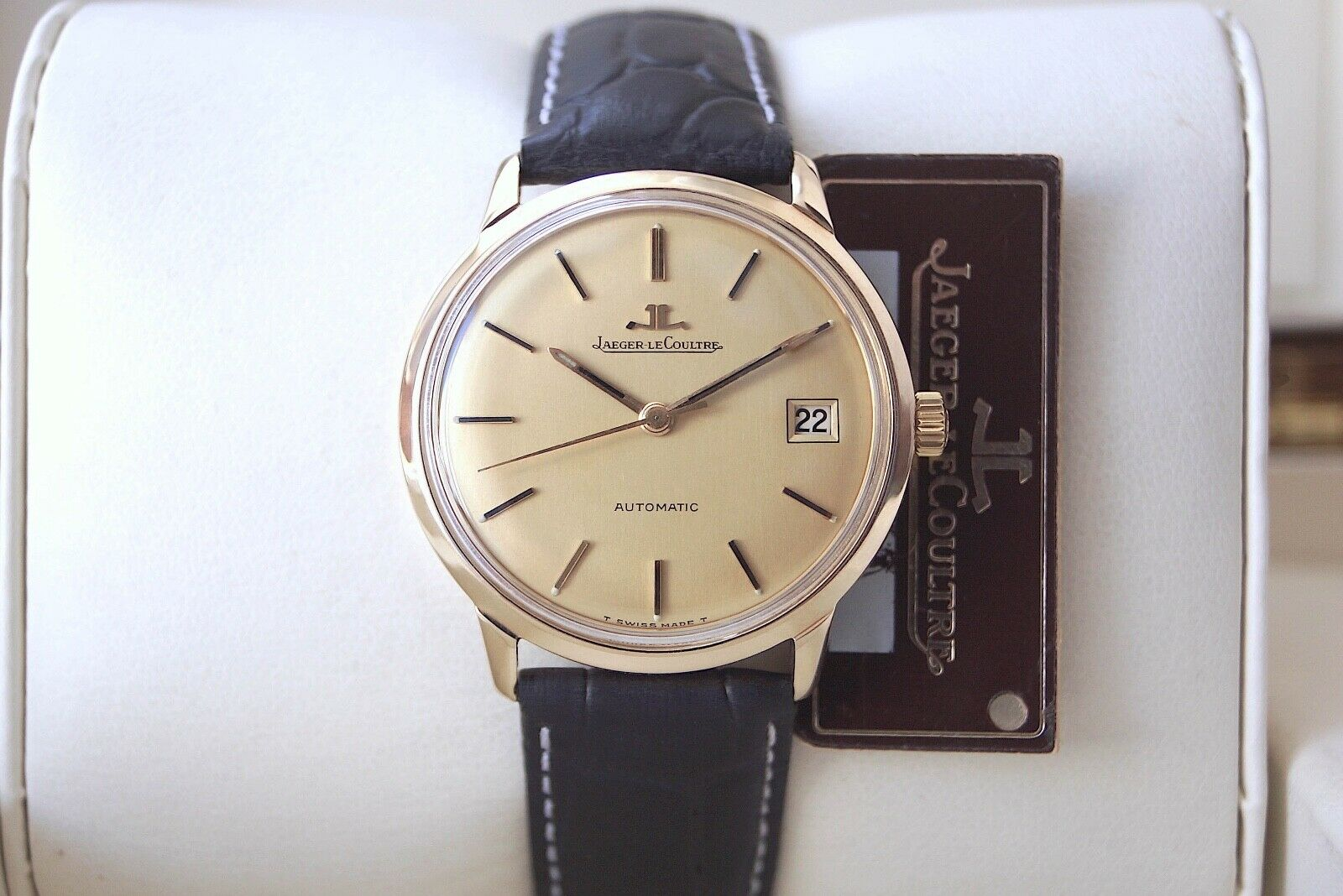 SOLID GOLD JAEGER LECOULTRE—EUROPEAN FULL SIGNATURE—MINT DIAL—AUTOMATIC CAL.K883 - watch picture 1