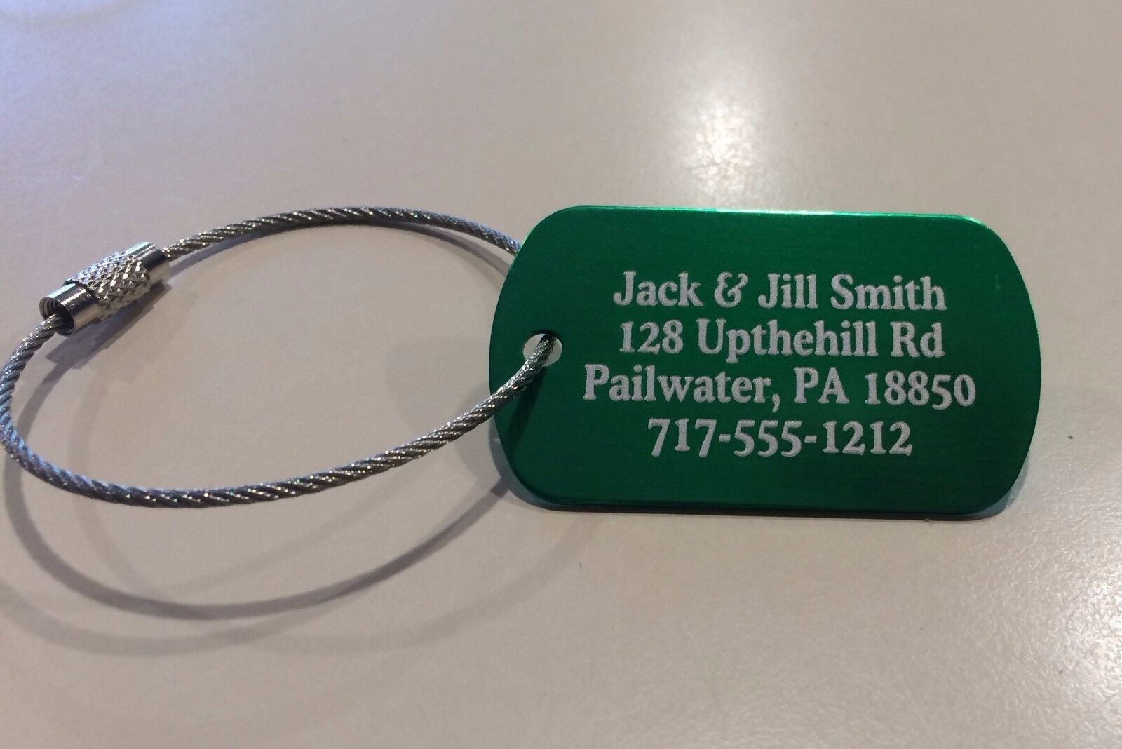 Personalized Metal Luggage tags (set of 5) with free cables. Five color options!