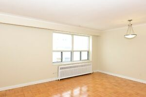 Newly Upgraded Bachelor in Forest Hill! (Roselawn/Bathurst)