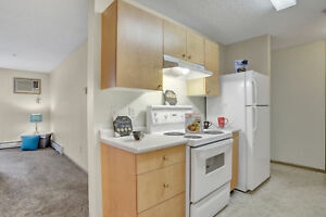 $200 Off!  Bright & Spacious 2 Bed. in Lakewood with insuite!