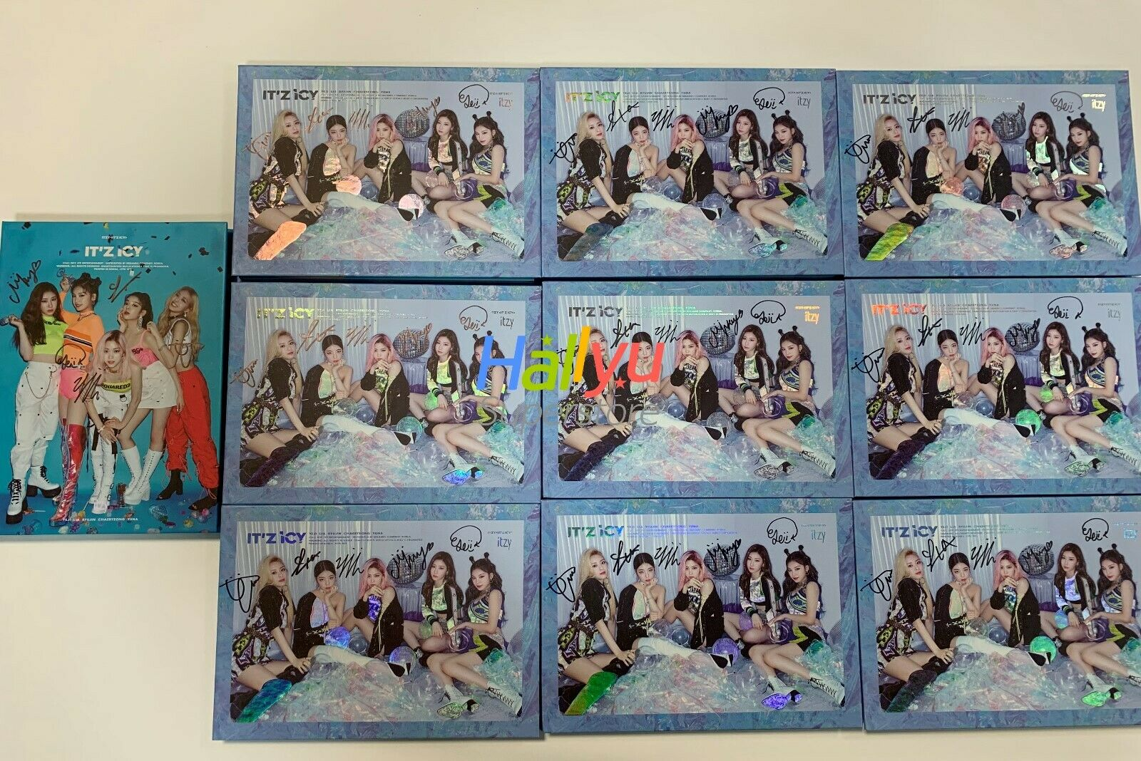 "ITZY ""IT'Z ICY"" - Autographed(Signed) Promo Album (updated 10-17)"