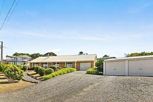 Beautiful Quality Home - 60 Rumbelow Street Encounter Bay SA 5211 Aldinga Beach Morphett Vale Area Preview