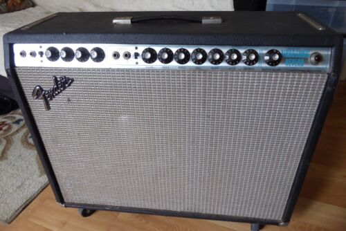 "1973 FENDER VIBROSONIC REVERB GUITAR AMPLIFIER 15"" JBL SPEAKER EXCELLENT CONDITI"