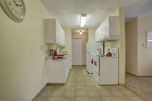 Lots of Natural Light -Two Bedroom Apartment! Call (306)314-0155