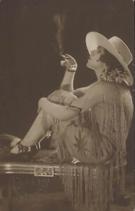 URUGUAY MONTEVIDEO REAL PHOTO FAIG WOMAN SMOKING