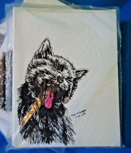 Yawning Cat 18 Blank Notecards with Linen Style Envelopes New