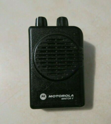 Motorola Minitor V (5) Low Band VHF Pager Single Channel 45 - 48.995 MHz