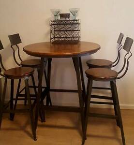 Pub Style Finished Wood Table and Chairs - Excellent Condition Freshwater Manly Area Preview