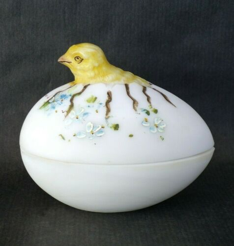 VICTORIAN Satin Glass HATCHING Chick two-part container dish Egg shape DECORATED