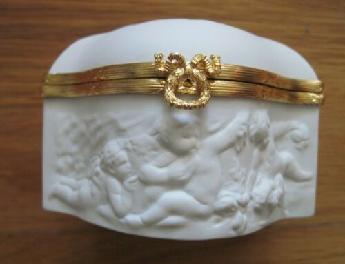 Coquet French Limoges White Bisque Jewelry Trinket Box Raised CHERUBS  MIB  DS18