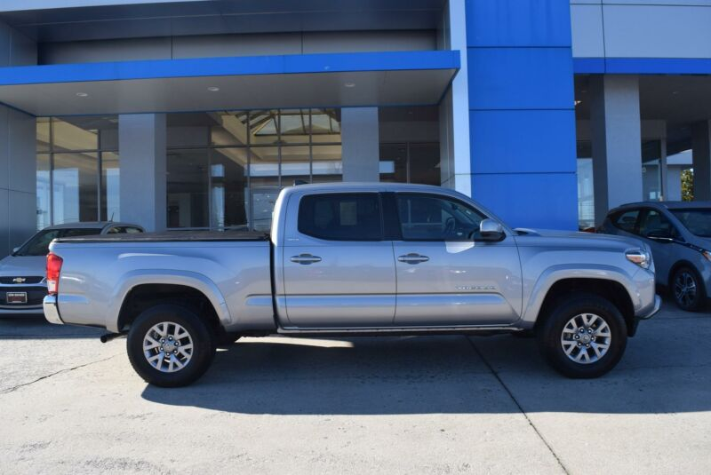 Image 1 Voiture American used Toyota Tacoma 2016