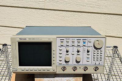 Tektronix Tds520a 2-chan 500mhz Digital Tek Oscilloscope Parts Not Working