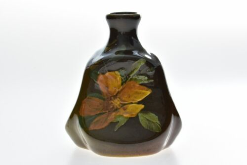 Owens Pottery 1896-1907 Utopian Rose Flower Pinched Triangle Vase #116