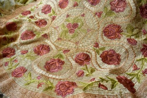 "Antique Beautiful Hungarian MATYO Oval Tablecloth  33.85x37.4"""