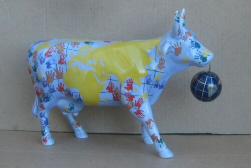 Cow Parade Its a Smooll World 2002  # 7312 Cow Figurine Its a Small World No Box