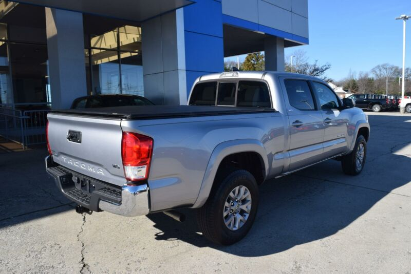 Image 3 Voiture American used Toyota Tacoma 2016