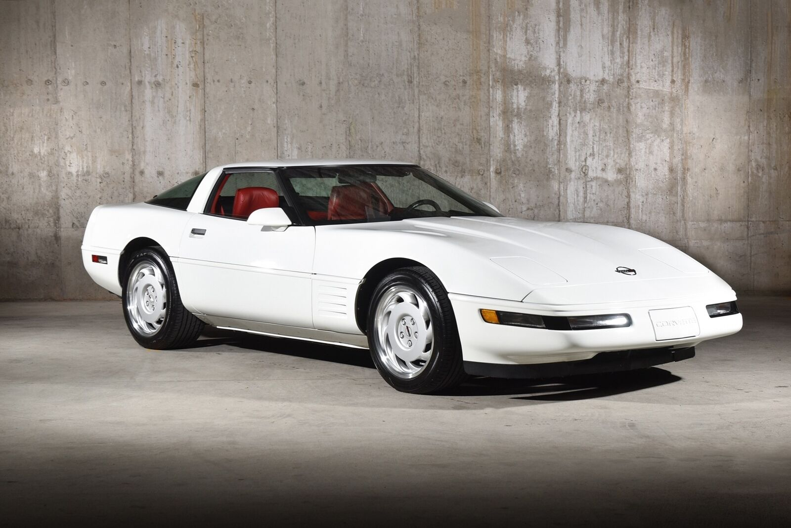 1992 White Chevrolet Corvette   | C4 Corvette Photo 2